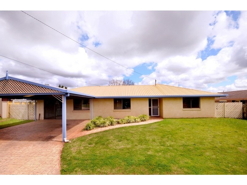 3 Gail Court, Darling Heights, Qld 4350