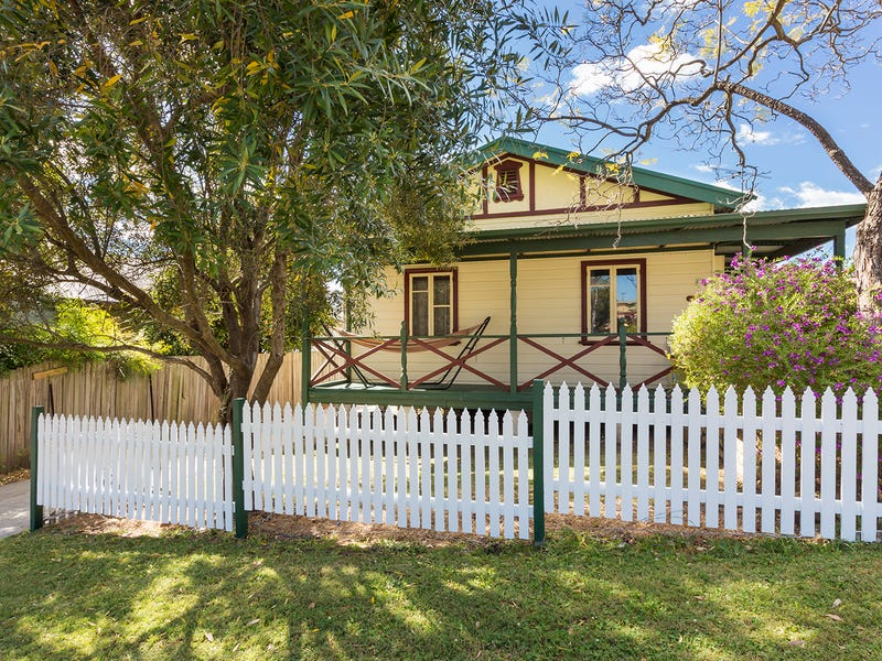 9 The Valley Road, Valley Heights, NSW 2777