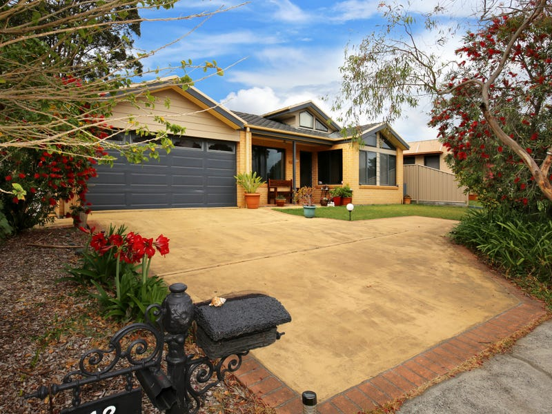 12 The Lake Circuit, Culburra Beach, NSW 2540