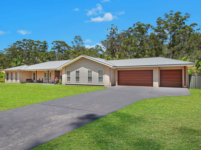 25 Lakeside Way, Lake Cathie, NSW 2445