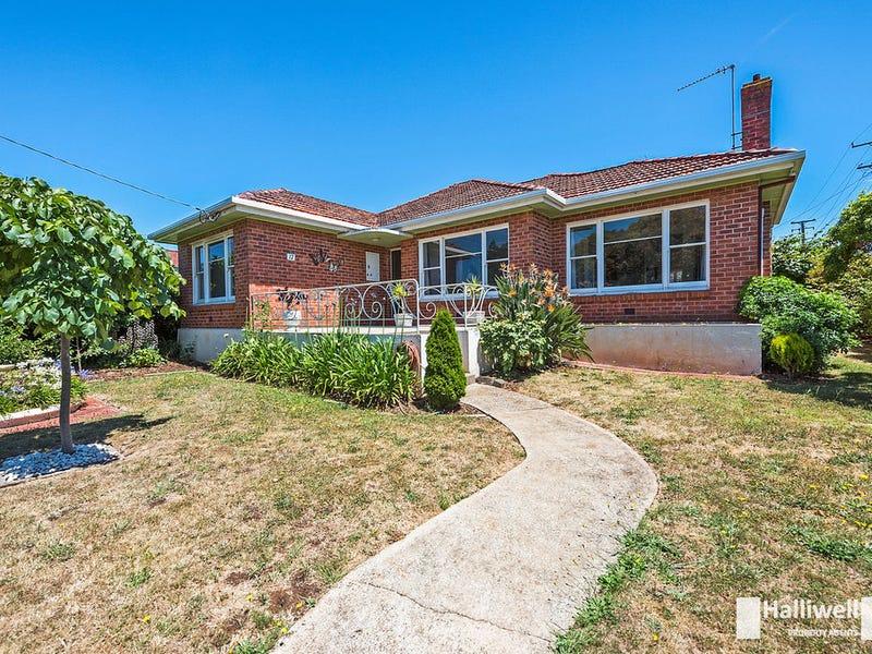 17 Ronald Street, Devonport, Tas 7310