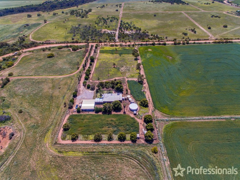 398 Giles Road, Moonyoonooka, WA 6532