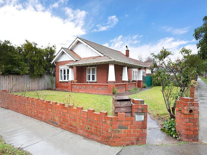 24 Fewster Road, Hampton, Vic 3188