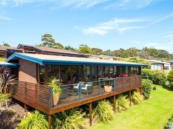 7 Seaview Place, Tura Beach, NSW 2548