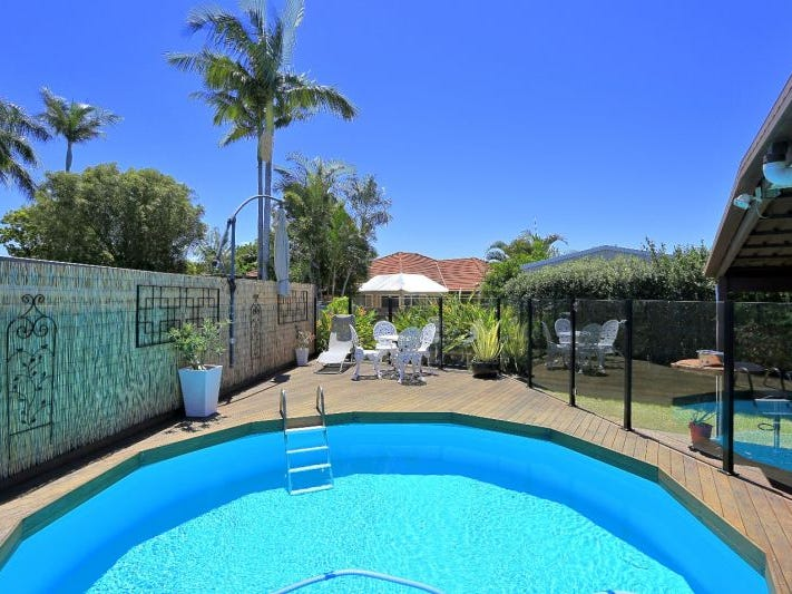 3 Cairnie, Avenell Heights, Qld 4670