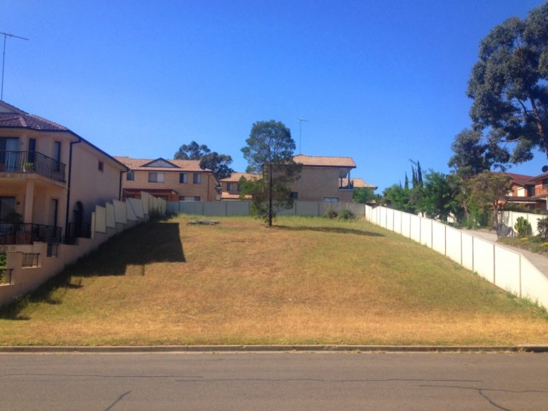 18 Balmoral Crescent, Georges Hall, NSW 2198