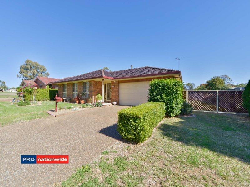 4 Woodward Avenue, Tamworth, NSW 2340