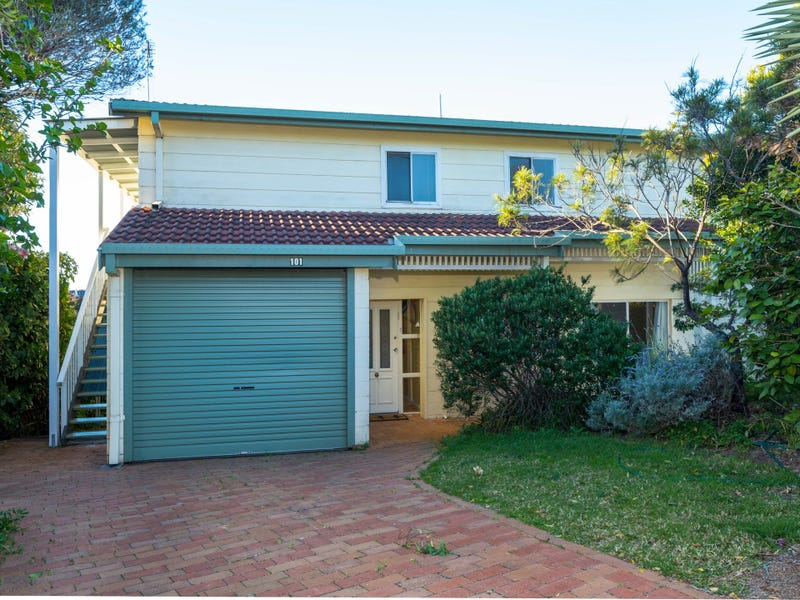 101 Tallawang Avenue, Malua Bay, NSW 2536
