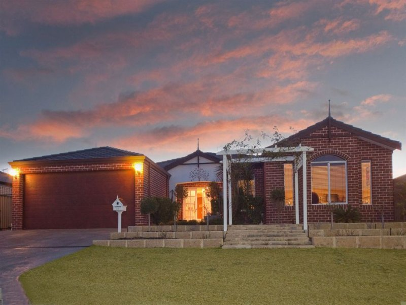 13 Hunter Way, Bertram, WA 6167