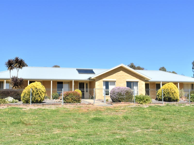 29 Belmore Road, Young, NSW 2594