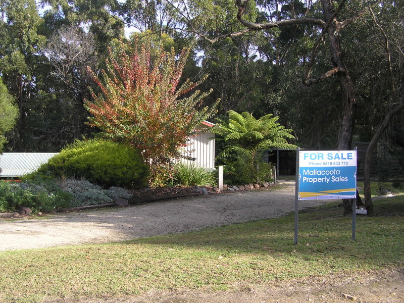 27 Shady Gully Dr, Mallacoota, Vic 3892