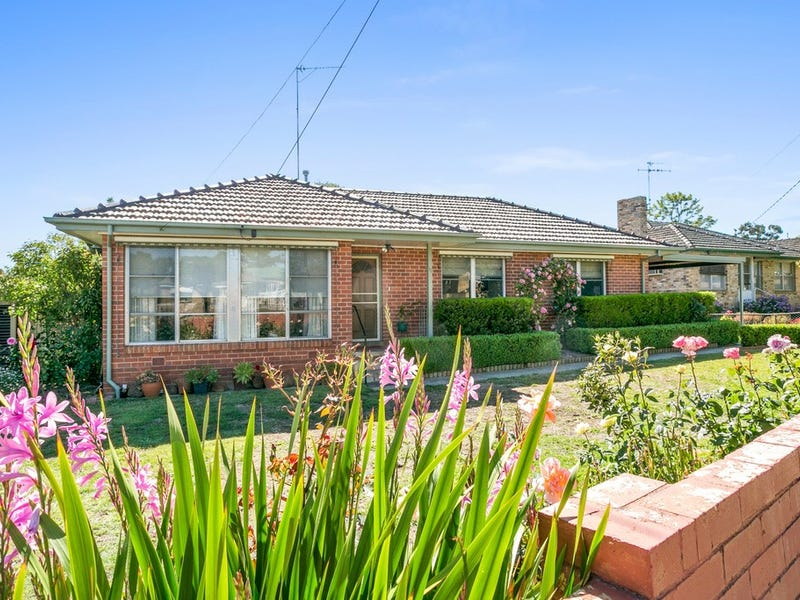 32 Lowndes Street, Kennington, Vic 3550