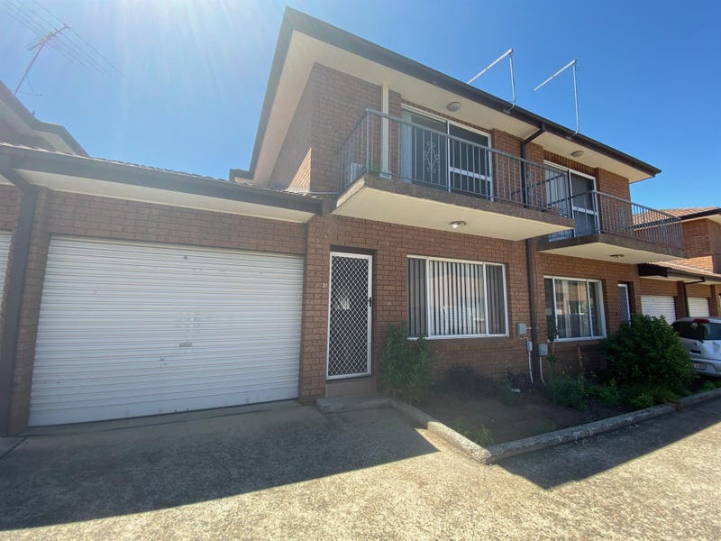 4/104 Hoxton Park Road, Liverpool, NSW 2170