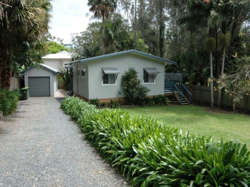 198 Charlotte Bay Street, Charlotte Bay, NSW 2428