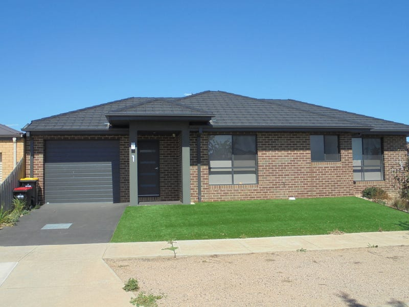 Unit 1/2 The Grove, Melton, Vic 3337