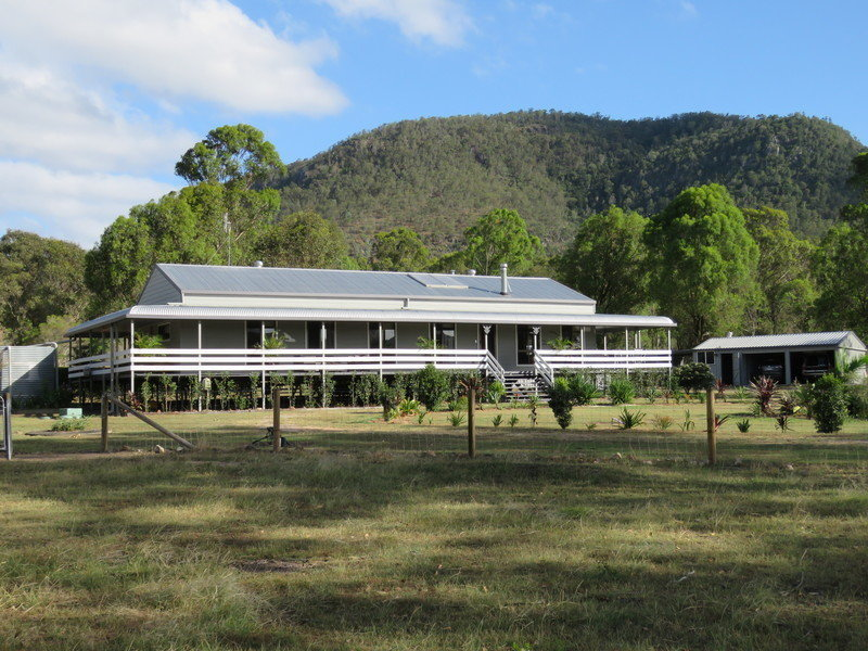 1455  Neurum Road, Mount Archer, Qld 4514