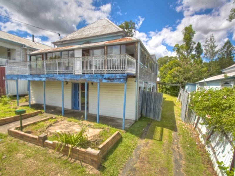 4 Williams St East, Woodend, Qld 4305