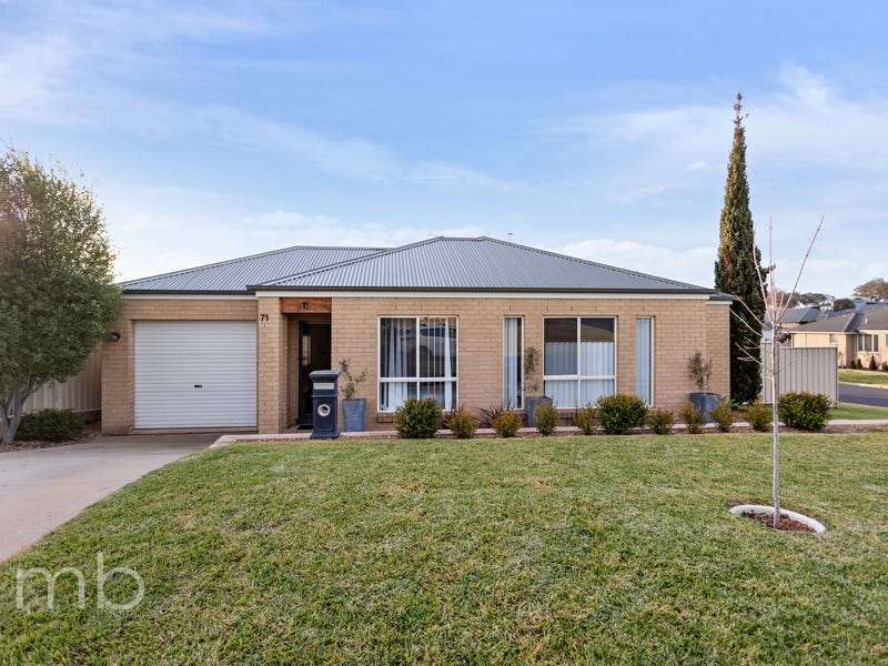 71 Brooklands Drive, Orange, NSW 2800