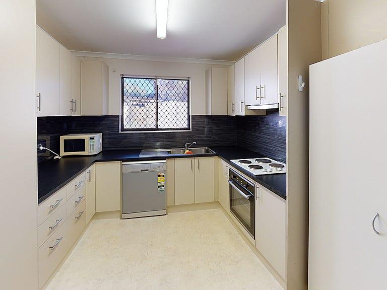 2/4 Aneura Place, Sadadeen, NT 0870
