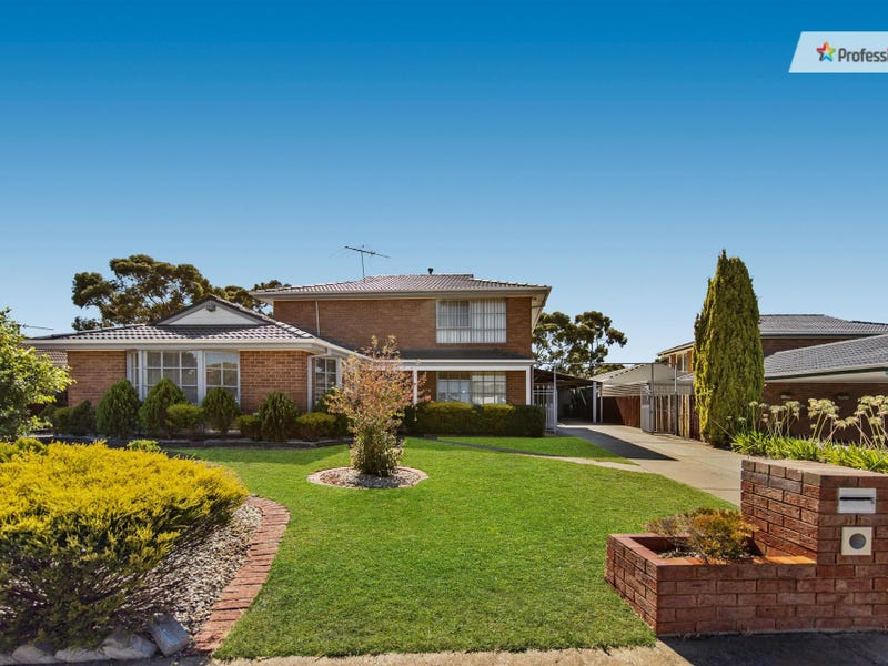114 Hilton Way, Melton West, Vic 3337