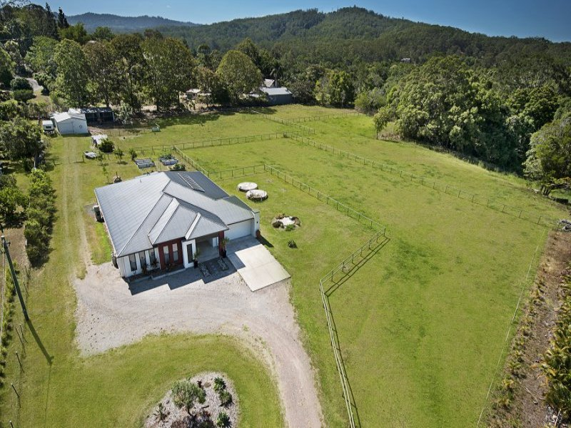 32 Andersen Road, Mooloolah Valley, Qld 4553