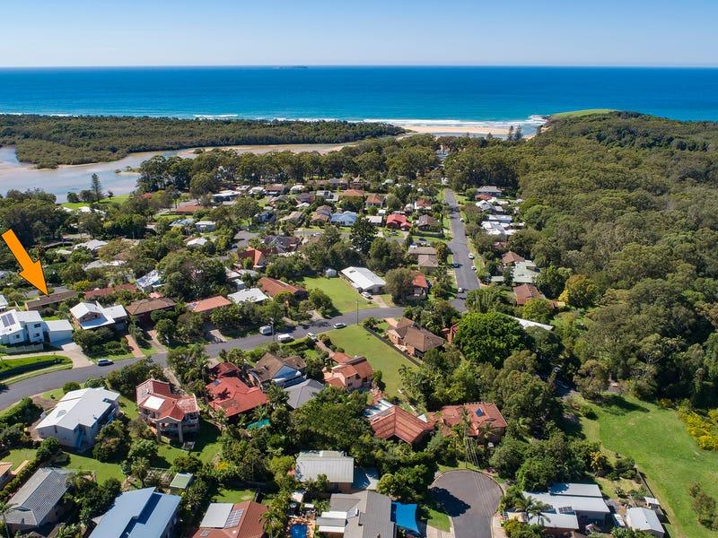 14 Dawn Drive, Moonee Beach, NSW 2450