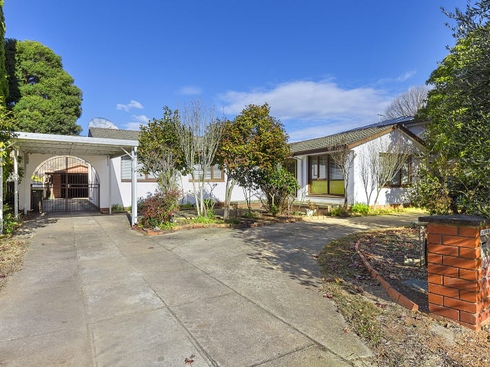 12  Banfield street, Downer, ACT 2602