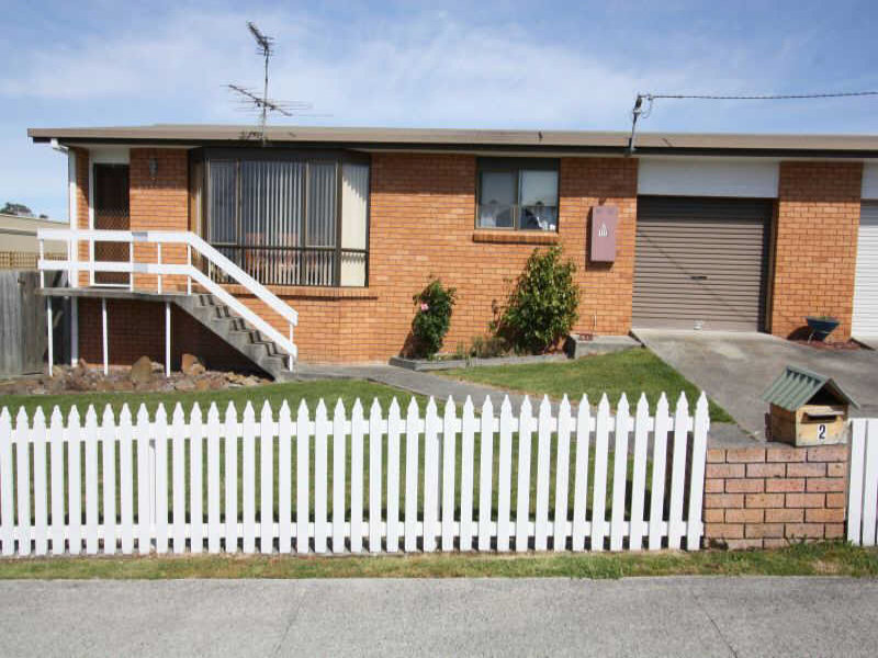 2/17  Dumbleton Street, Hawley Beach, Tas 7307