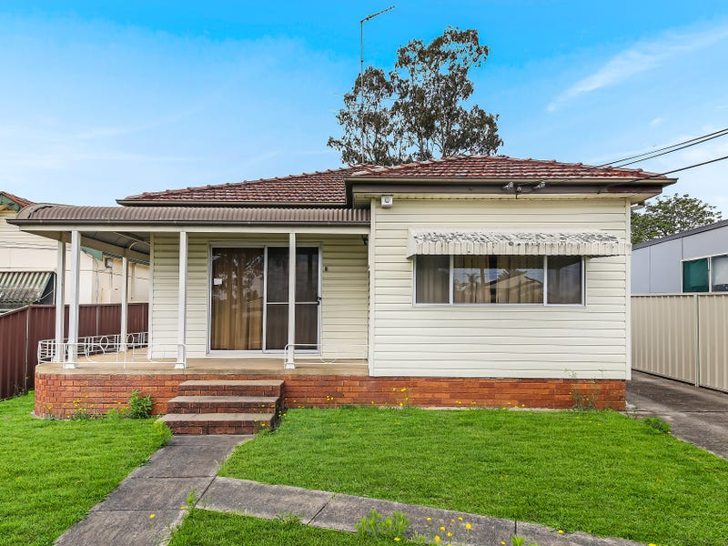 211 Henry Lawson Drive, Georges Hall, NSW 2198