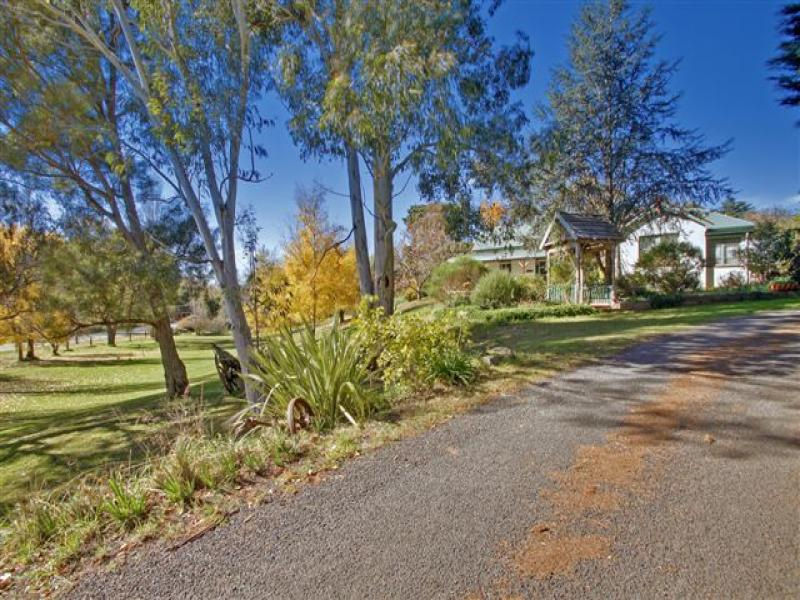 16 Carrington St, Crookwell, NSW 2583