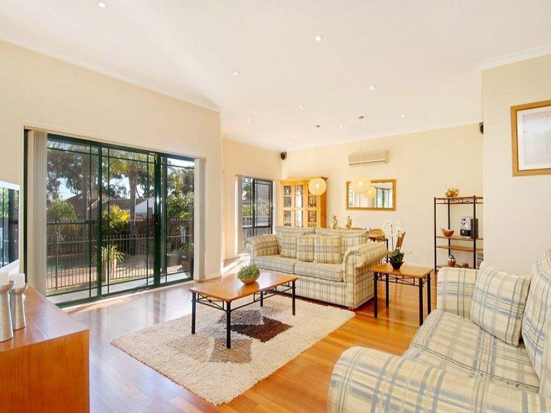 28 Glenwall Street, Kingsgrove, NSW 2208