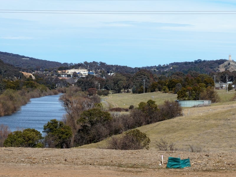 Lot 104,24 Wollondilly Avenue, Goulburn