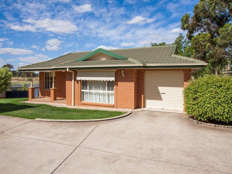3/8 Honeysuckle Place, Lake Albert, NSW 2650