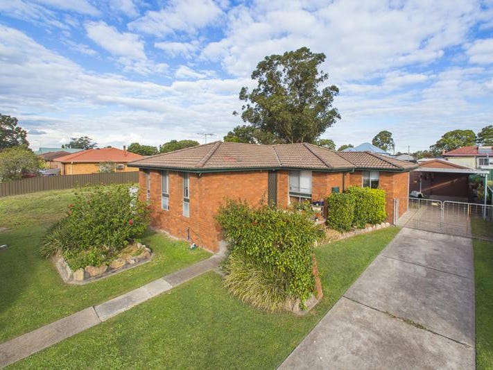 12 Crawford Ave, Tenambit, NSW 2323