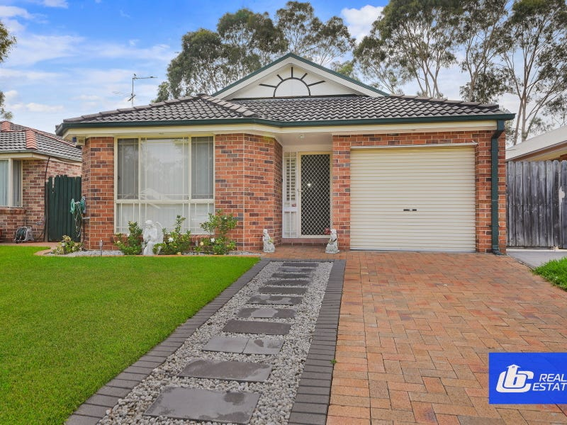 13 Corryton Court, Wattle Grove, NSW 2173