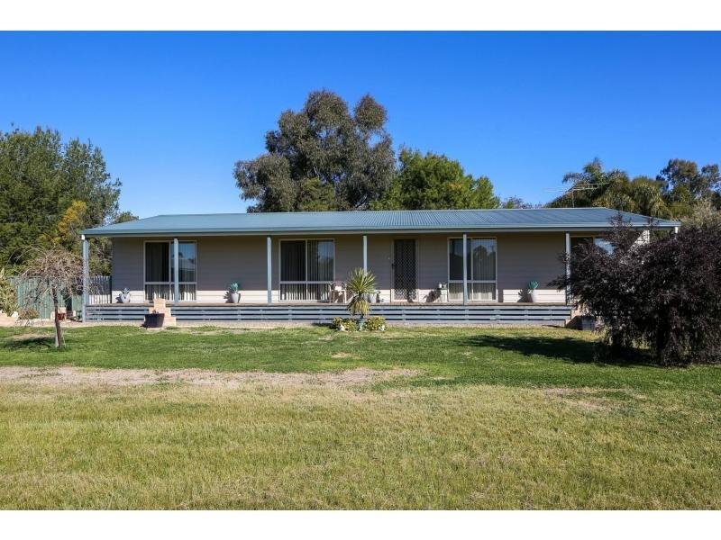 60 Munro Street, Culcairn, NSW 2660