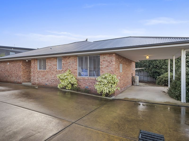 2/2 Tonic Hill Court, Kingston, Tas 7050