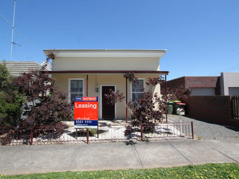 711 Doveton Street North, Soldiers Hill, Vic 3350