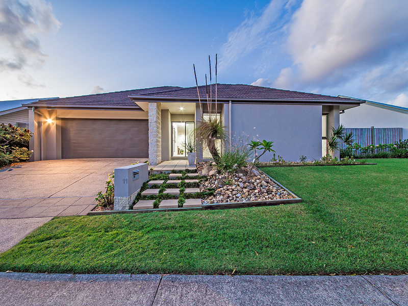 11 Mossvale Drive, Wakerley, Qld 4154