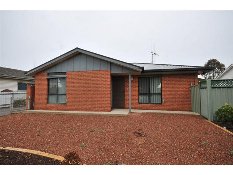 Unit 1/46 Havilah Road, Long Gully, Vic 3550