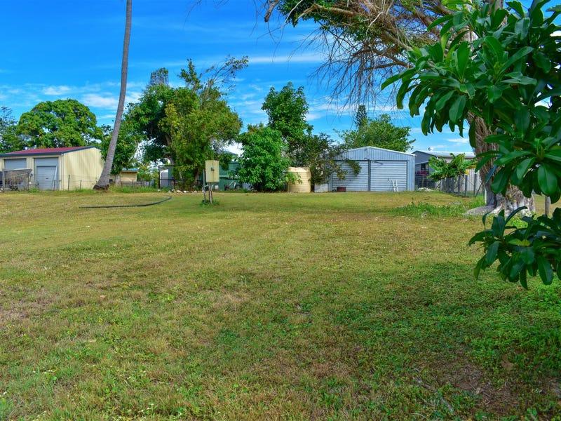 12 Hall Drive, Wilson Beach, Qld 4800