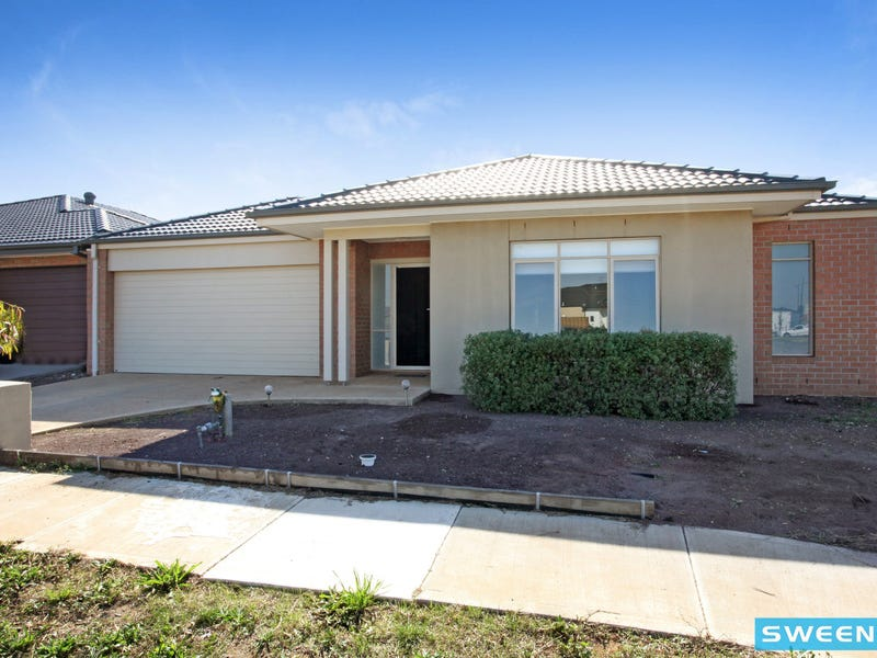 15 Lockwood Drive, Plumpton, Vic 3335