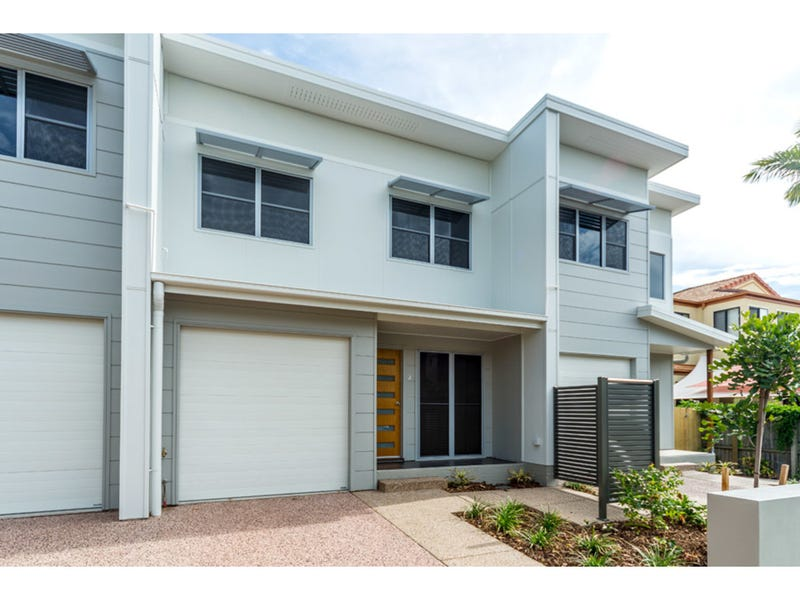 2/8 Bright Avenue, Labrador, Qld 4215