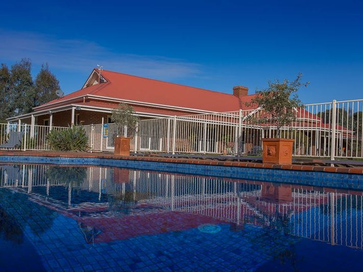 1277 Table Top Rd, Table Top, NSW 2640