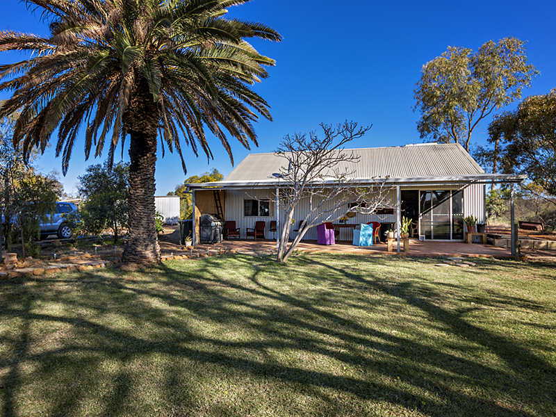 396 Giles Road, Moonyoonooka, WA 6532