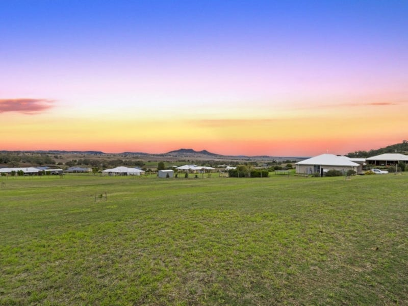 10 Panorama Crescent, Gowrie Junction, Qld 4352