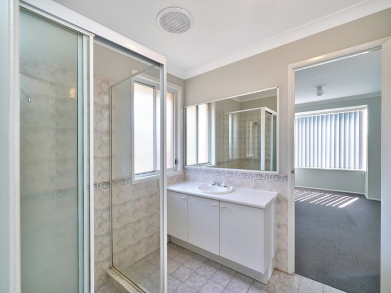 6 Topper Place, Englorie Park, NSW 2560