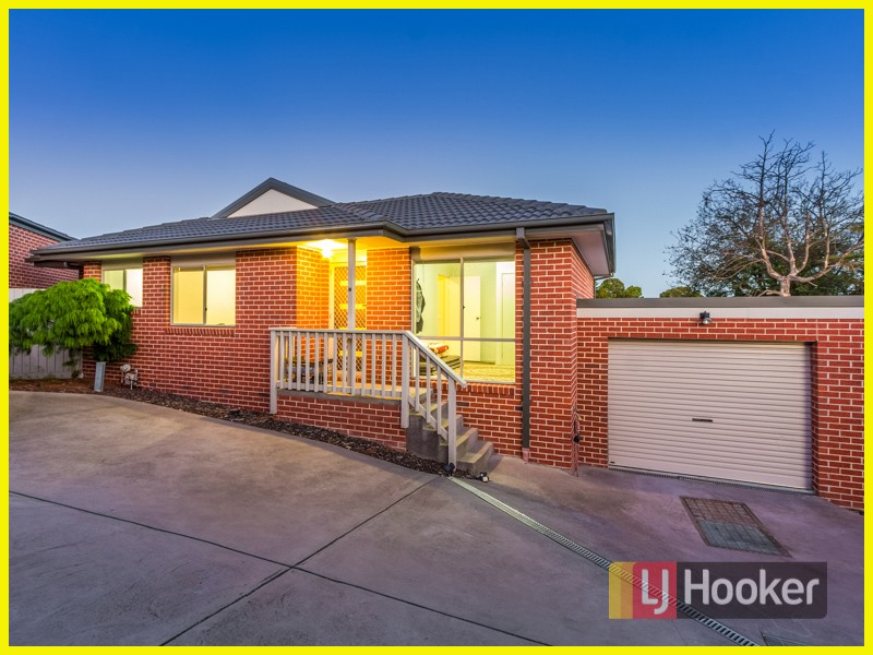 2/11 Cherry Grove, Doveton, Vic 3177