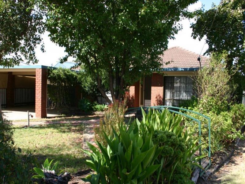 14 Wilkins Grove, Swan Hill, Vic 3585