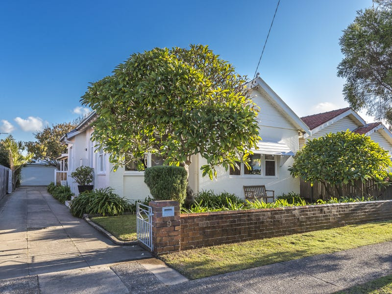9 Corona Street, Hamilton East, NSW 2303